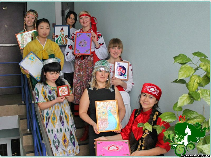 Конкурс девушек разных национальностей
